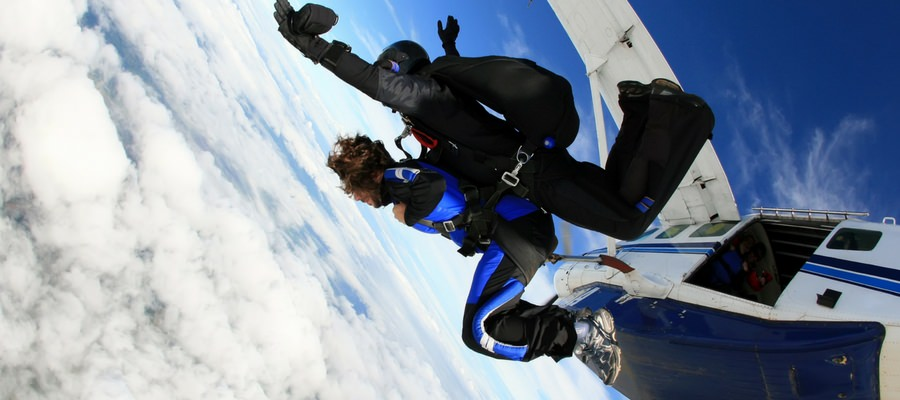 Should I go Skydiving? 5 Tips to Conquer Your Fear