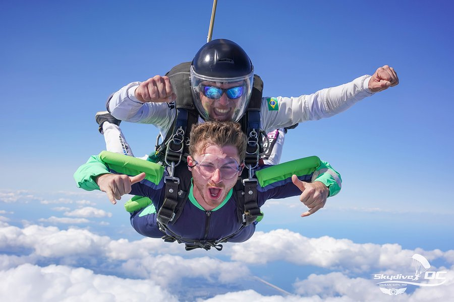 Tandem Skydiving: Everything You Need To Know!